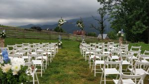 skrzypce na ślubie w plenerze, brzmi Hallelujah Cohena, w tle widok na Tatry